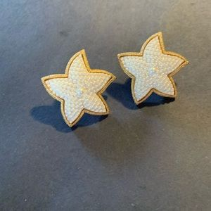 Starfish earrings with faux pearl